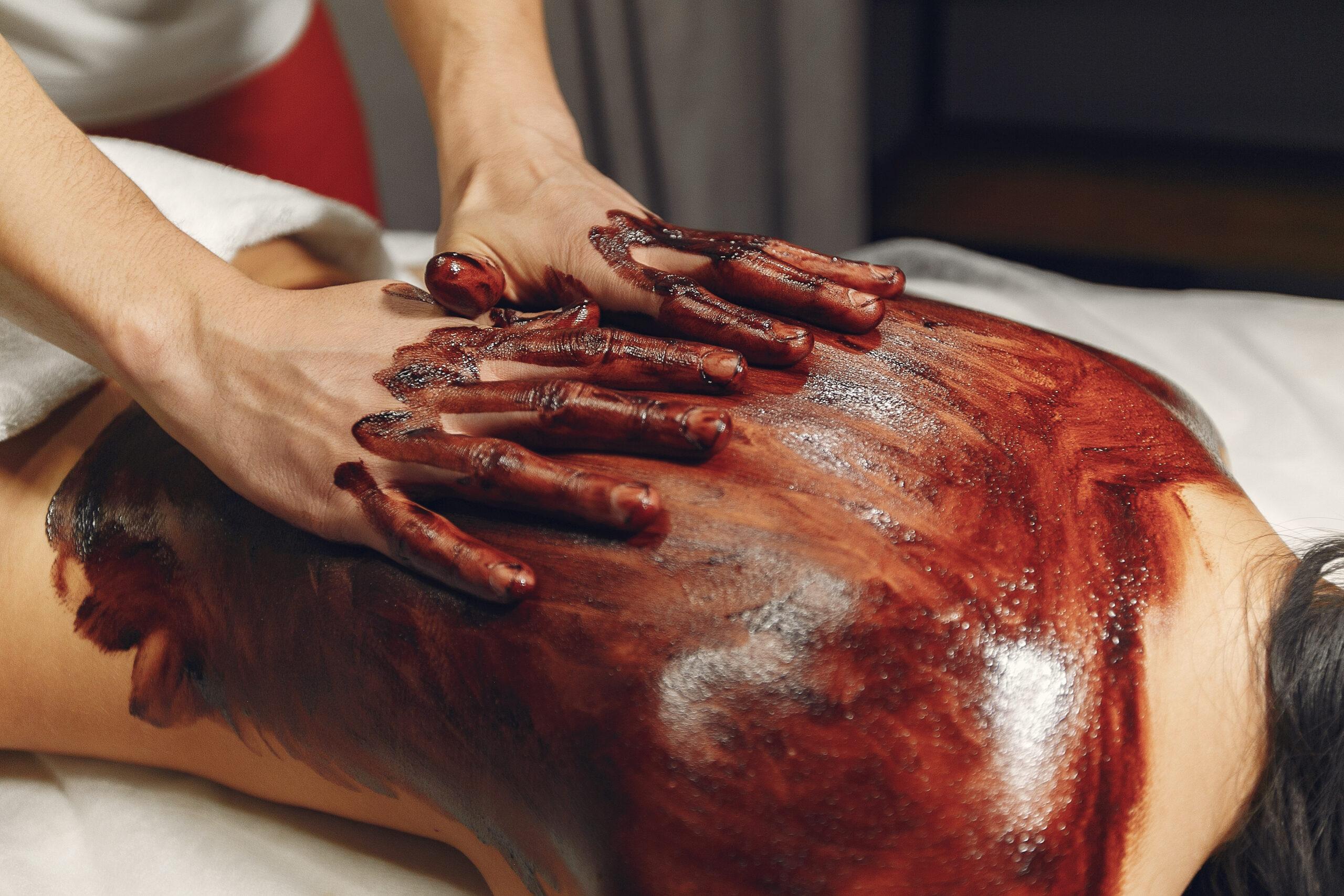 Masaż gorącą czekoladą